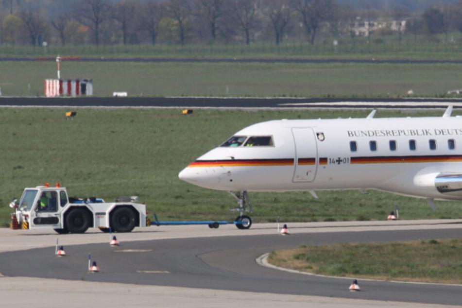 Regierungsflieger kommt von Landebahn ab: Flughafen Schönefeld gesperrt