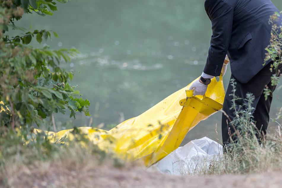 Ein Angler entdeckte mitten in Demmin die Leiche eines Mannes im Wasser. (Symbolbild)