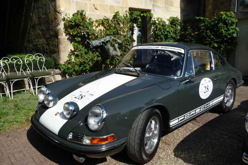 Seltener Porsche 911S aus Box gestohlen, Zeugen gesucht!