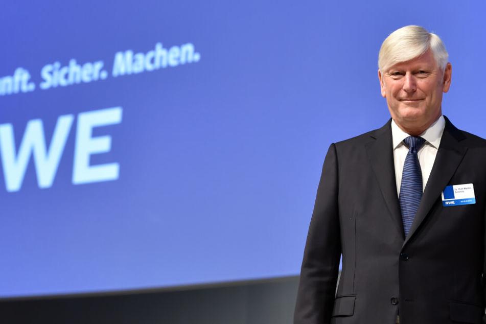 RWE-Chef Rolf Martin Schmitz (62) sieht keinen Grund mehr für Baumbesetzungen.
