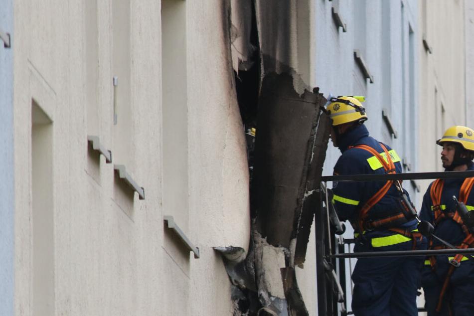 Plattenbau-Explosion im Harz: Mieter tot, Frau springt aus Fenster, viele Verletzte