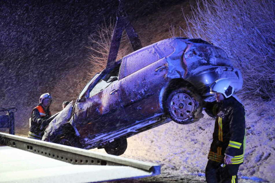 Winterchaos auf der A9! Zahlreiche Unfälle sorgen für Staus