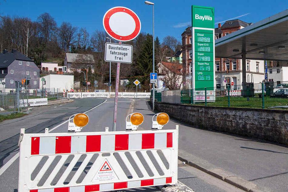 Die Sperrung auf der Annaberger Straße dauert zwei Wochen länger. (Archivfoto)