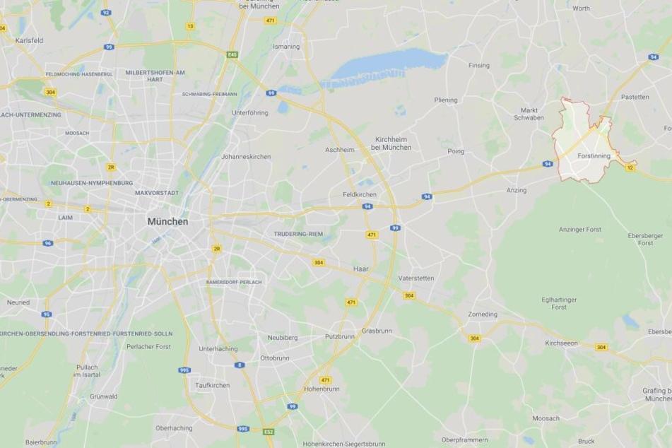 Auf der Autobahn 94 ist es bei Forstinning in Bayern zu einem schweren Unfall gekommen.