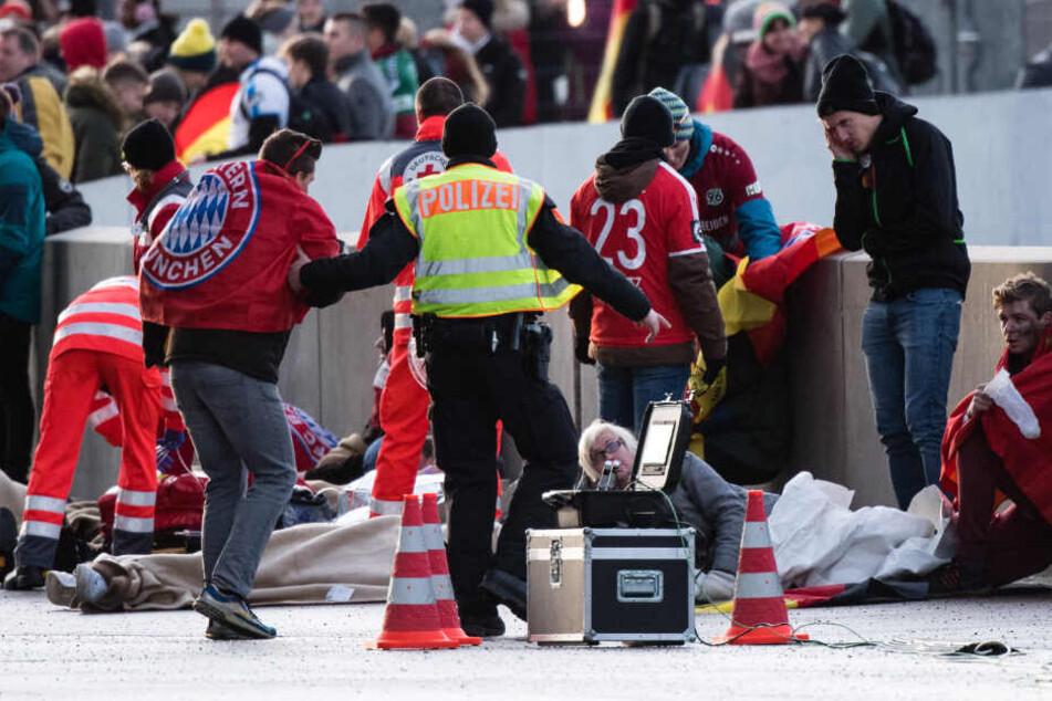 Katastrophen-Einsatz bei Fußball-EM: Retter proben den Ernstfall!