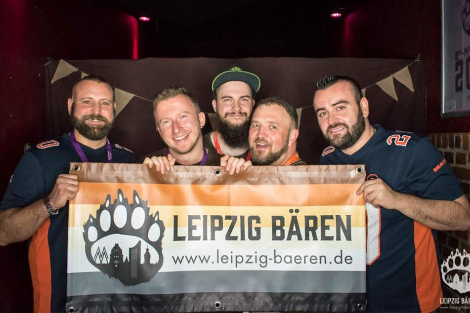 """Sind stolz auf ihre Organisation: Die """"Leipzig Bären""""."""
