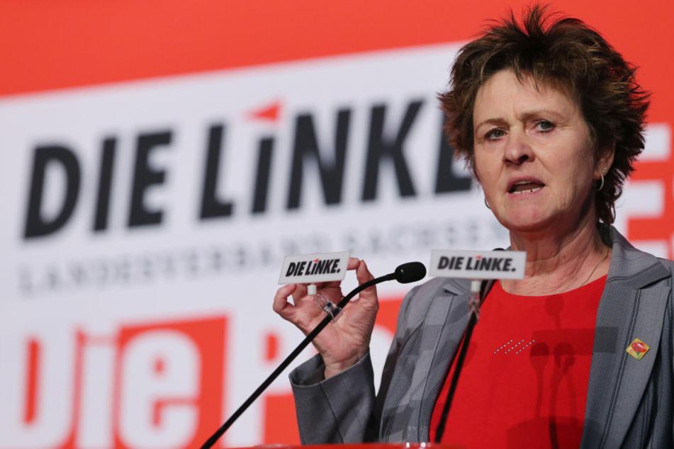 Millionen Bürger können sich keinen Urlaub leisten, darauf hat Bundestagsabgrordnete Sabine Zimmermann (57, Linke) nun aufmerksam gemacht.