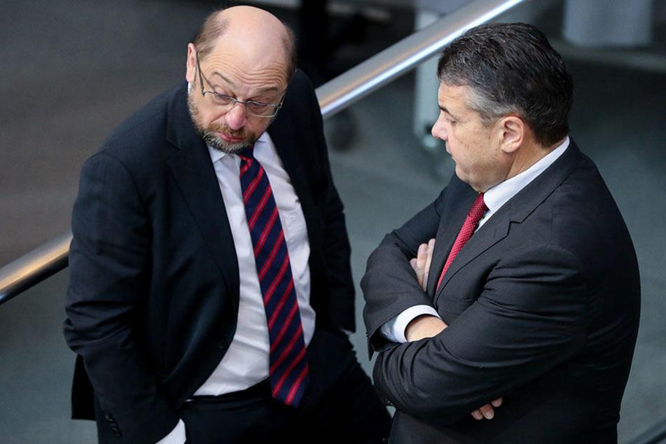 Während Martin Schulz weiter abrutscht, ist Sigmar Gabriel derzeit der beliebteste Politiker.
