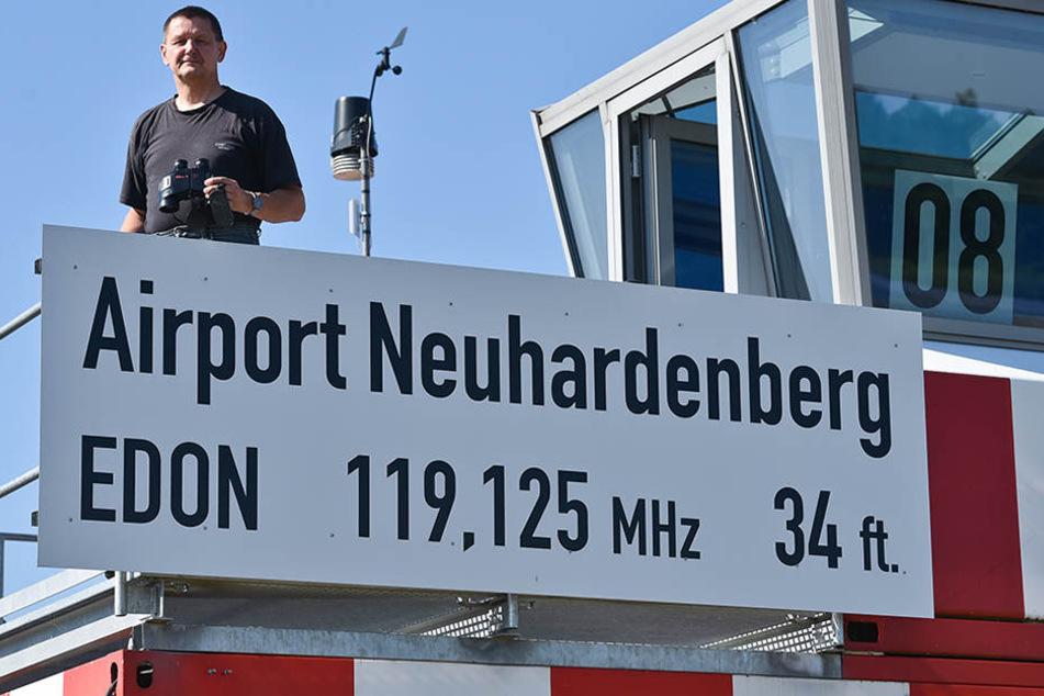 Flugplatz Neuhardenberg besitzt die Möglichkeit im Jahr ca. drei Millionen Fluggäste nach einigen Investitionen dem BER abzunehmen.