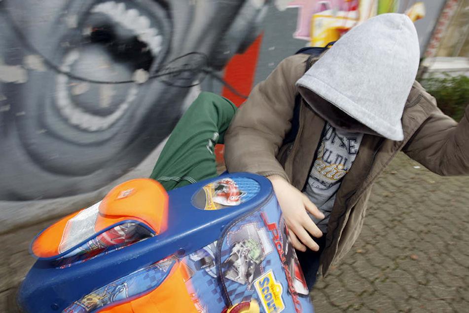Rangelei unter Kindern: Zehnjähriger zückt Messer