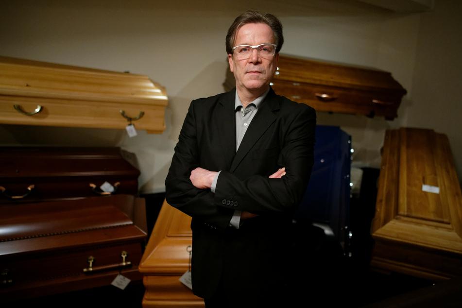 """Kölner Bestatter Kuckelkorn: Beerdigungen in Corona-Krise """"unglaublich schwierig"""""""