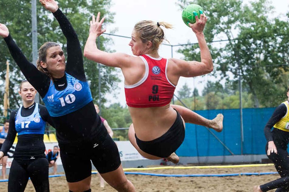 Auf spannende Handballspiele müssen die Vereine in Kirchlengern wohl noch etwas warten, denn die Bauarbeiten sind gestoppt worden. (Symbolfoto).