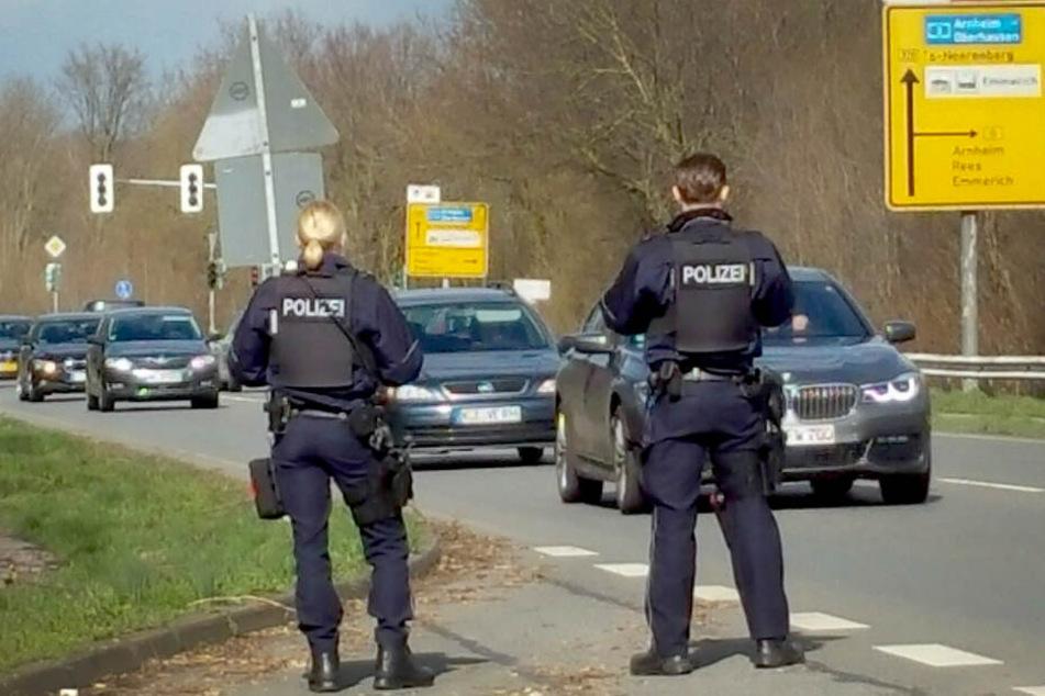 Die Polizei in NRW fahndet nach dem Verdächtigen aus Utrecht.