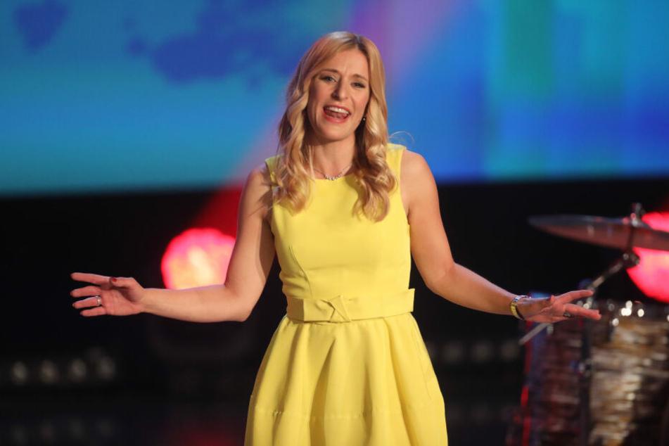 Die Sängerin und Moderatorin Stefanie Hertel (39) lässt alle Mamas nämlich schon eine Tag vor dem eigentlichen Muttertag hochleben.