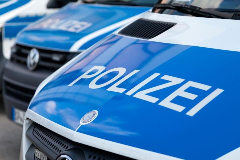 Die Polizei ist auf der Suche nach der Täterin mit einer Beschreibung des Opfers. (Symbolbild)