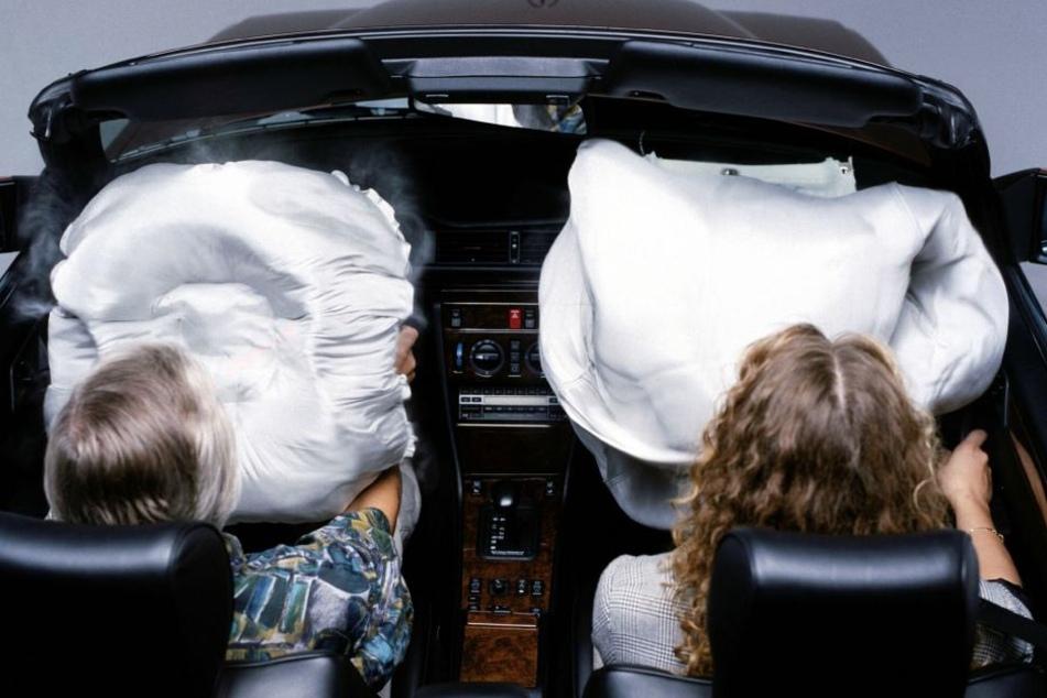 Durch einen Kabeldefekt kann der Airbag aus Versehen ausgelöst werden. (Symbolbild)