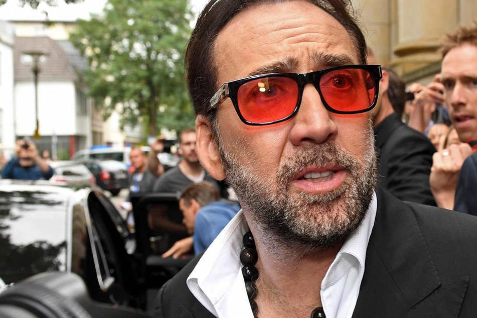 Nicolas Cage hat im Laufe seiner Karriere insgesamt über 150 Millionen US-Dollar verdient - und wegen seines verschwenderischen Lebensstils alles wieder verloren.
