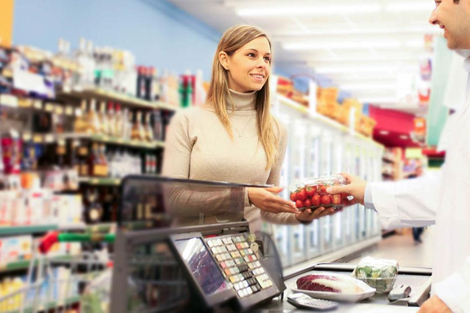 Darum wissen die Verkäufer an der Kasse genau, ob Ihr arm oder reich seid