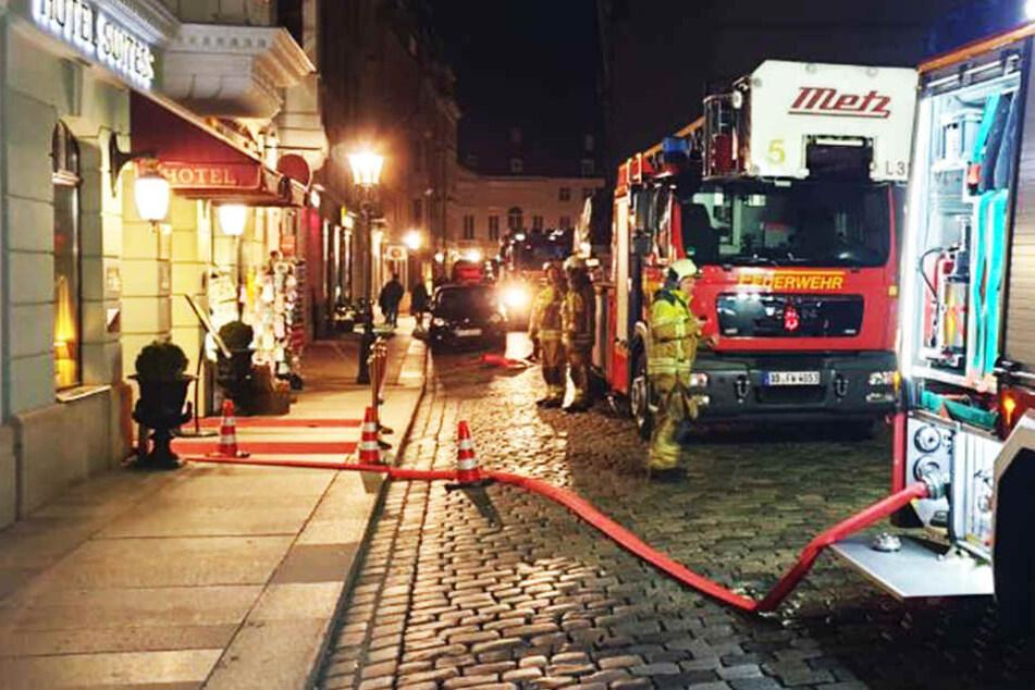 Feuerwehreinsatz nahe Dresdner Frauenkirche: Luxus-Hotel evakuiert!