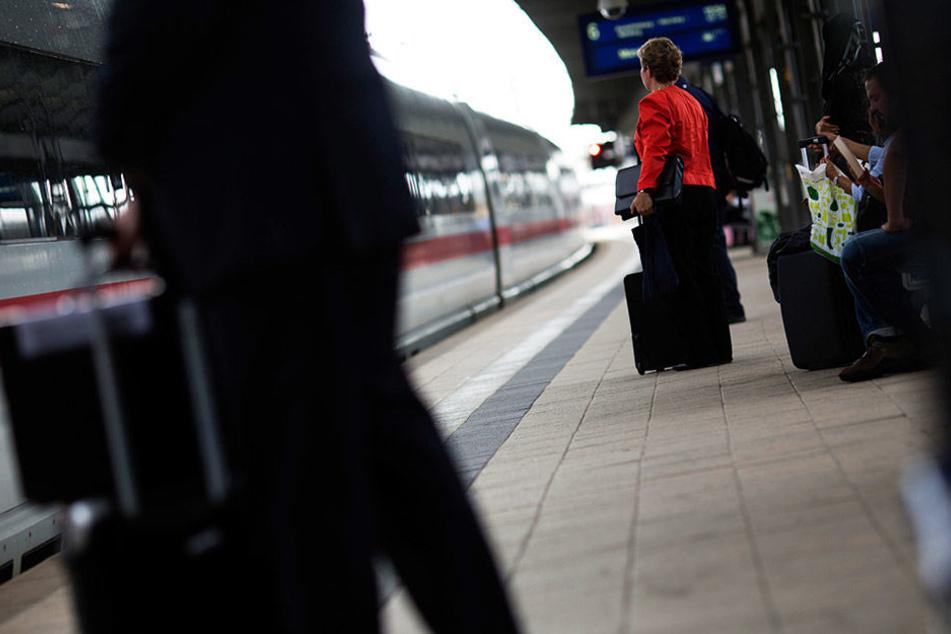Der Regionalbahnhof am Frankfurter Flughafen soll ausgebaut und modernisiert werden. (Symbolbild)