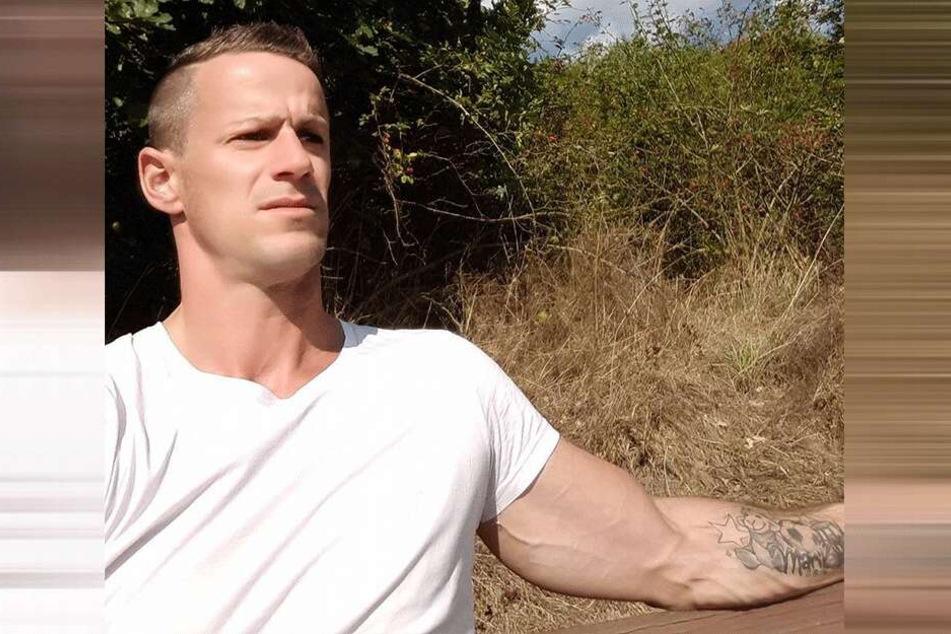 Das Tattoo an Steffens Arm soll während der Fahrt ein Gesprächsthema gewesen sein.