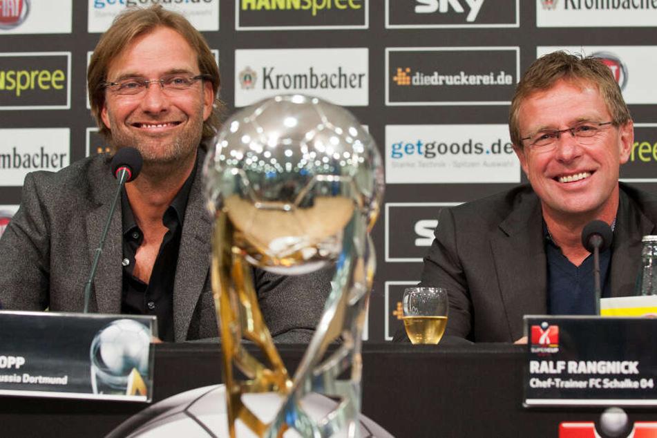 Während Jürgen Klopp (l.) ein oft gesehenes Werbegesicht im Fernsehen ist, belässt es Ralf Rangnick bei einem Ausrüstervertrag mit zwei Bekleidungsmarken.