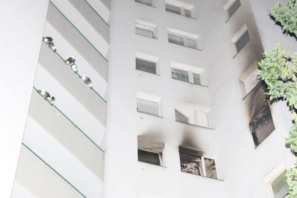 Ein Hochhaus in der Gropiusstadt stand letzte Nacht in Flammen.