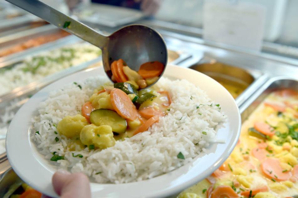 Vom kostenlosen Kantinen-Essen profitieren lediglich die DSC-Jungs. (Symbolbild)