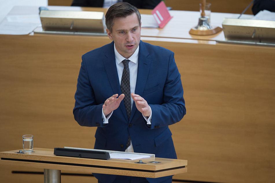 Arbeitsminister Martin Dulig (44, SPD) will, dass mehr Unternehmen in Sachsen Tariflöhne zahlen.