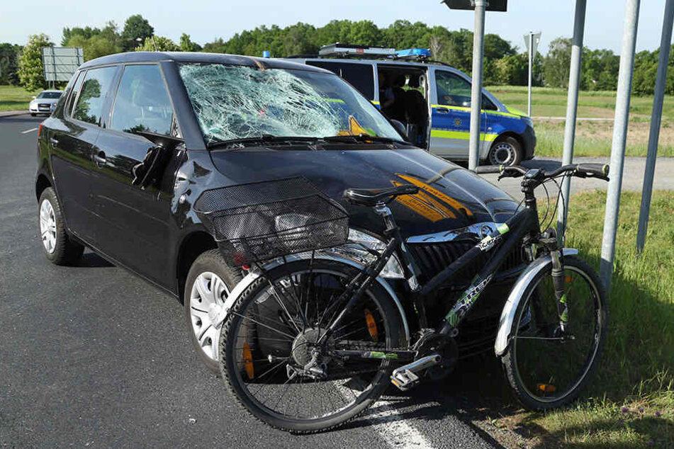 Vorfahrt missachtet? 13-jährige Radlerin schwer verletzt