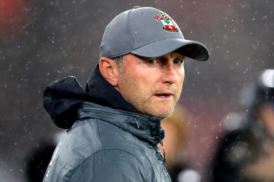Der Ex-Leipzig-Coach Ralph Hasenhüttl sichtlich bedient.