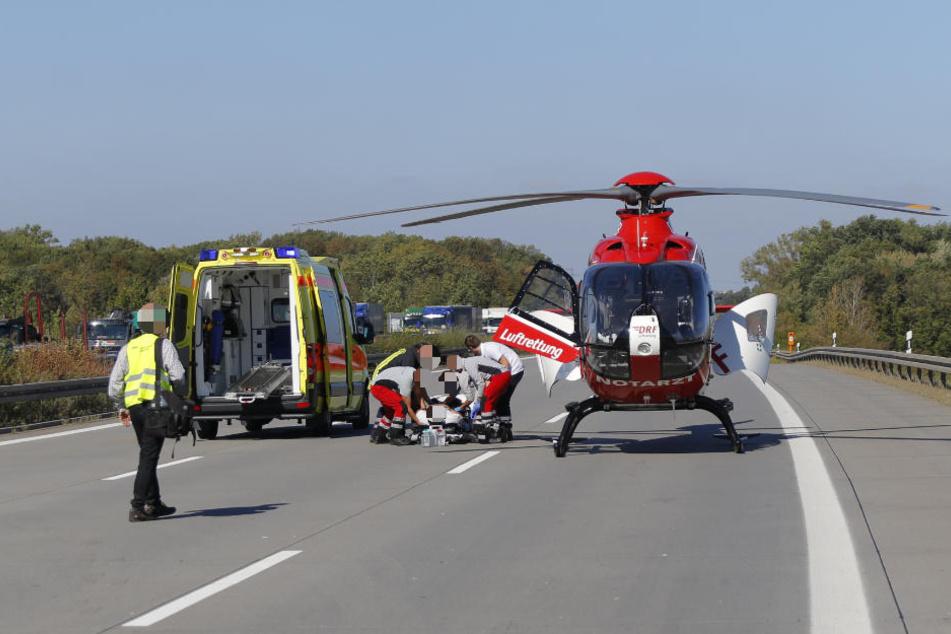 Vier Personen wurden leicht verletzt in ein Krankenhaus geflogen.