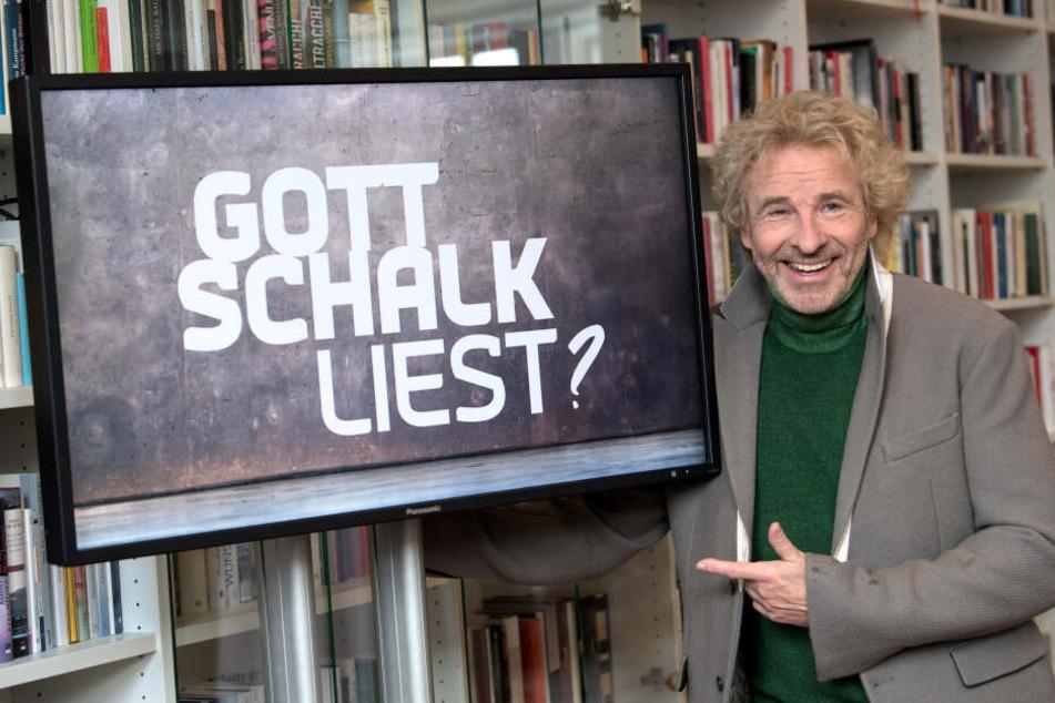"""Thomas Gottschalk, Entertainer und Showmaster, präsentiert bei einer Pressekonferenz seine neue Sendung """"Gottschalk liest?""""."""