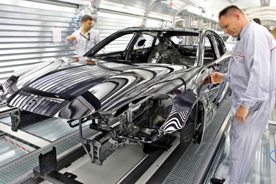 Auf dem Werksgelände von Porsche in Leipzig wird ab jetzt auch Honig produziert.