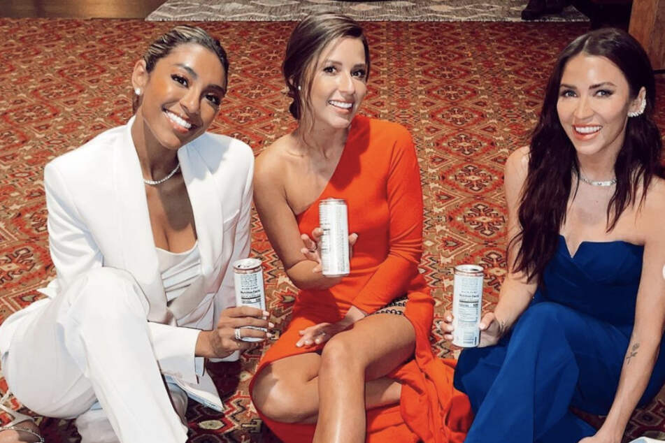 Tayshia Adams (l.) and Kaitlyn Bristowe (r.) grilled the former contestants and Katie Thurston during the two-hour special.