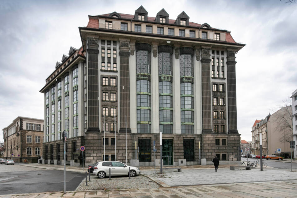 """Dresden: Einblick ins Hauptstaatsarchiv: Sachsens """"Gedächtnis"""" wird immer digitaler"""