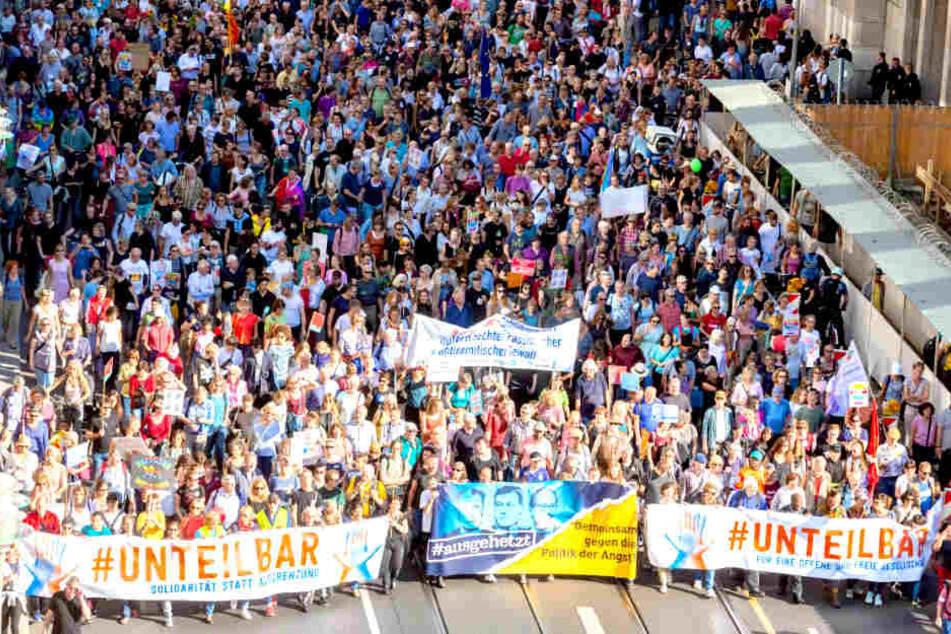 Sechsmal mehr als erwartet! Über 240.000 Menschen demonstrieren in Berlin gegen REchts