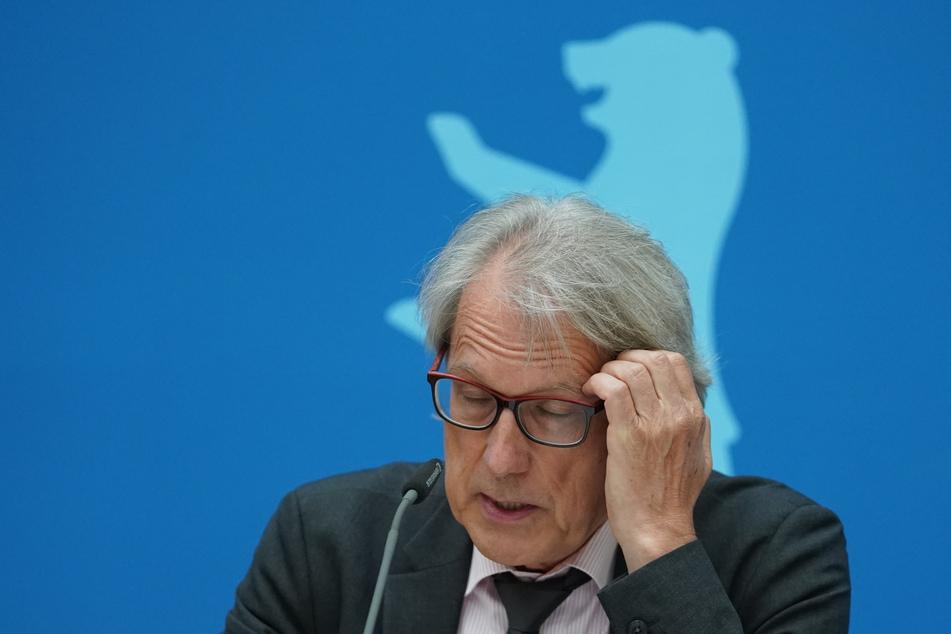 Das Verwaltungsgericht hat entschieden, dass Matthias Kollatz (63, SPD) alle Informationen zum Wohnungsdeal in Berlin preisgeben muss.