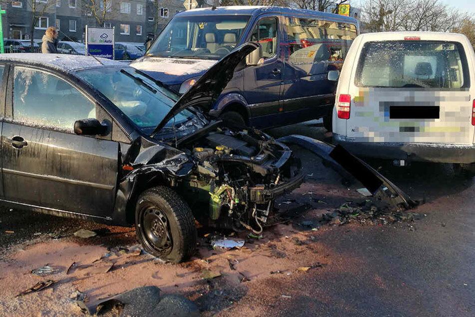 Am Morgen waren drei Autos in einen Unfall auf der Lommatzscher verwickelt.