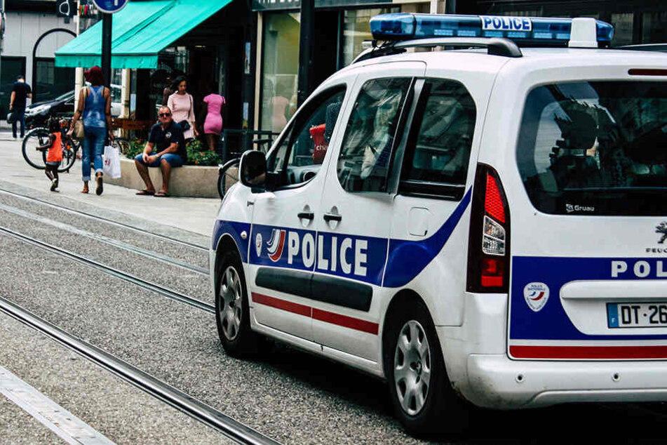 Die Polizei nahm vier Familienmitglieder fest. (Symbolbild)