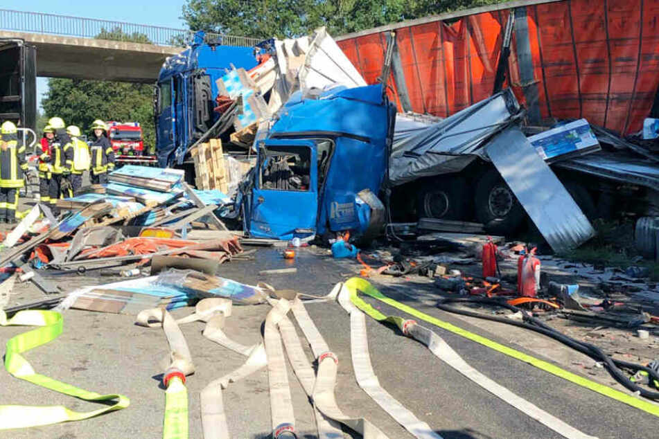 Brummifahrer rettet bei Unfall am Stauende Bus voller Kinder