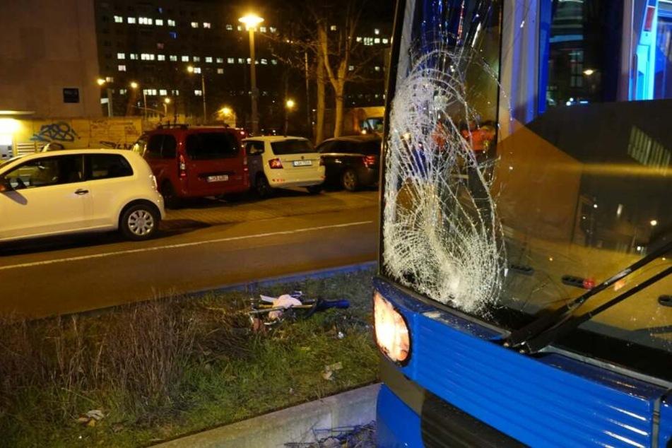 An der Tram entstand ein hoher Sachschaden.