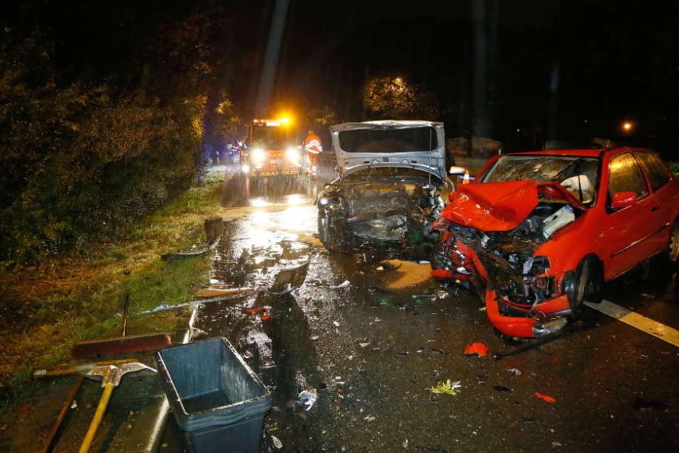 Die Bilanz des schrecklichen Unfalls: Vier schwer Verletzte, darunter ein Kind.
