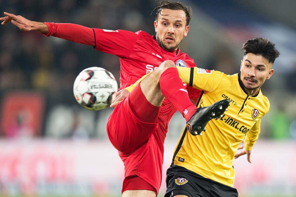 Atilgan gegen Arminia Bielefeld am 30. Januar 2019. Hier gelang ihm sein erstes Zweitliga-Tor für Dynamo.