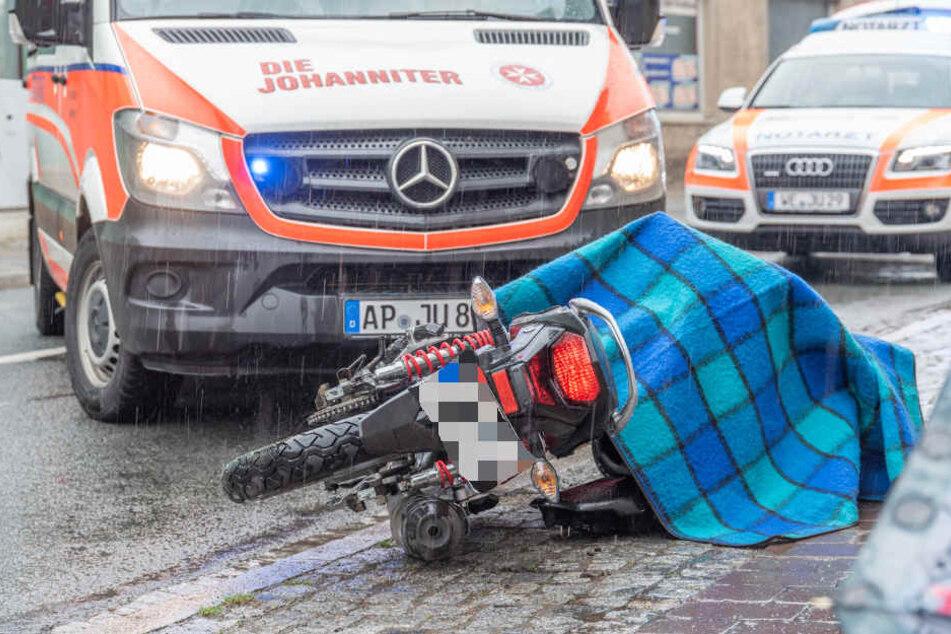 Das Motorrad ließ der Mann zurück - aus gutem Grund.