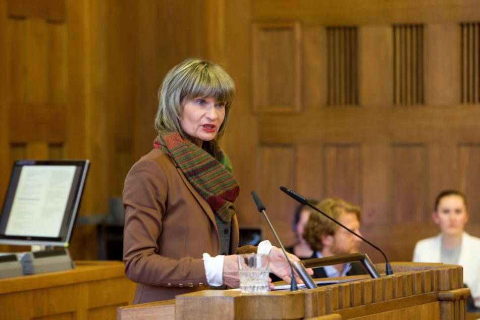 Oberbürgermeisterin Barbara Ludwig (56, SPD) am Mittwoch im Stadtrat.