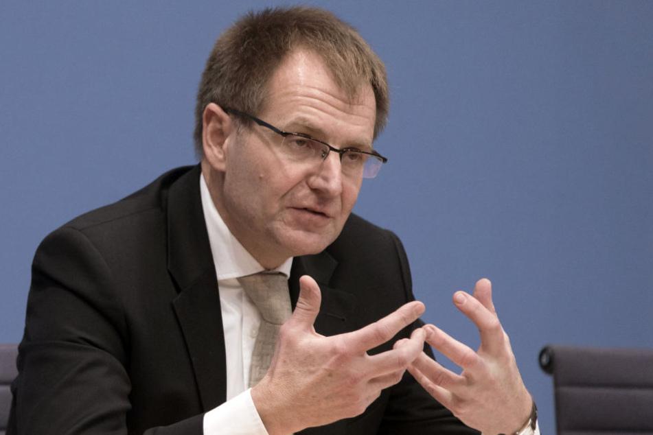 """Laut Generalbundesanwalt Peter Frank gab es eine """"sehr konkrete und belastbare"""" Faktenlage dafür, dass ein deutsches Ehepaar in einen Anschlagsplan des IS in Deutschland involviert war."""