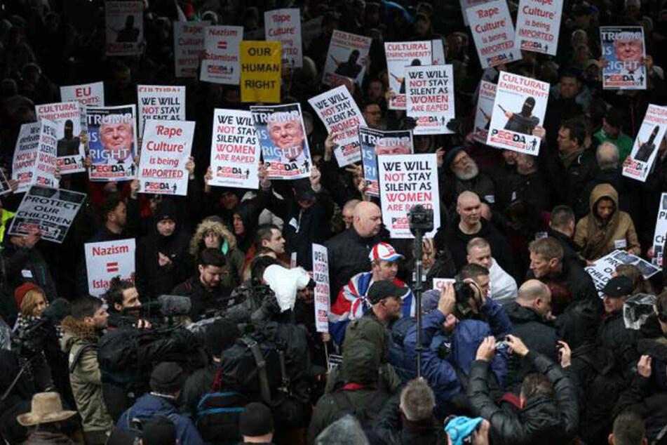 Weil der UK-Ableger von Pegida das Istanbuler Attentat zur Stimmungsmache gegen Flüchtlinge nutzt, rastete die Sängerin aus.