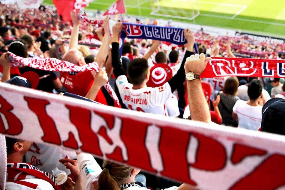 Am Montag wird's still in der Leipziger Red Bull Arena: Die Fans wollen eine Halbzeit lang schweigen.