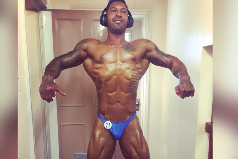 Lewis Riches (32) brach sich bei der Show das Bein.